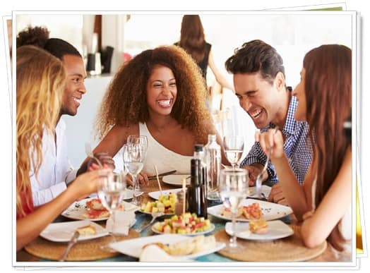 How to eat out when you are plant based,how to be vegan in the real world,is it hard to be vegan when you go out,ordering plant based when eating with friends